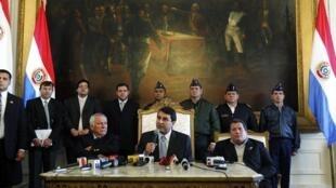 De nombreux gouvernants sud-américains étaient d'accord pour qualifier la destitution du président paraguayen Fernando Lugo de « coup d'Etat », le 23 juin 2012. (Photo : le nouveau président Federico Franco, le 23 juin 2012 à Asuncion).