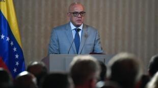 Au Venezuela, le ministre de la Communication Jorge Rodriguez accuse ses voisins d'être responsables de l'attaque d'une base militaire à Luepa.