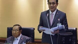 Thủ tướng Thái Lan Prayuth Chan-ocha (phải), Quốc hội Thái Lan, Bangkok, 12/09/2014.