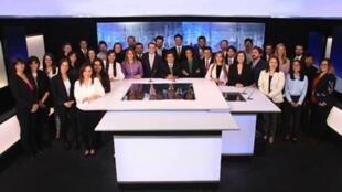 El equipo de France 24 en español en los estudios en Bogotá.