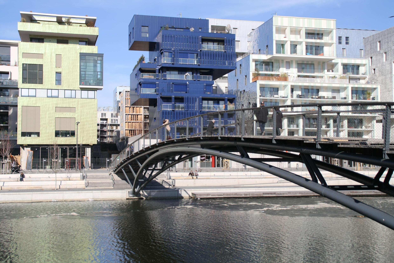 里昂彙流(Lyon Confluence)以建設以節能減排 保護環境的21世紀區生態區為重點