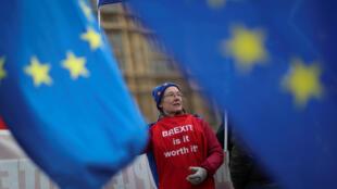 Os britânicos devem deixar a União Europeia no final de março, mas muitos ainda se questionam se o Brexit vale a pena.
