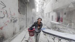 Cảnh tan hoang tại Aleppo, Syria.