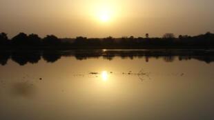Coucher de soleil sur le fleuve ( Parc W.,Niger).