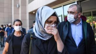 La fiancée du journaliste Jamal Khashoggi, lors du procès par contumace de 20 suspects saoudiens pour le meurtre du journaliste saoudien, le 3 juillet 2020 à Istanbul. (photo d'illustration)