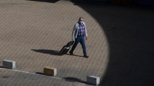A Madrid, des mesures de confinement partiel ont été mises en place. Elles concernent 4,7 millions de personnes.