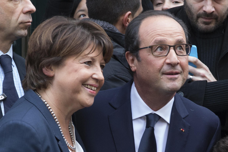 Lille mayor Martine Aubry (L) with President François Hollande