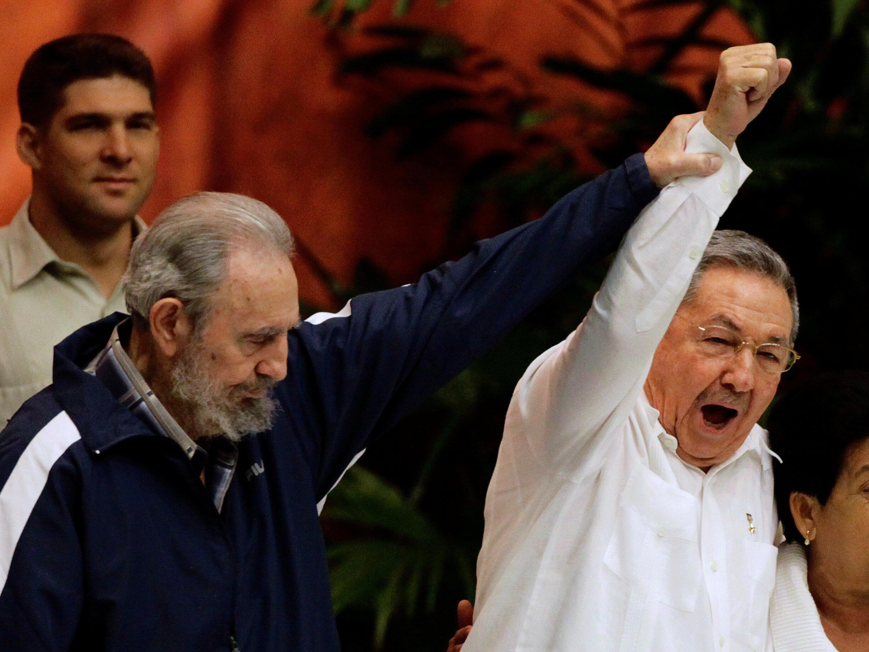 Tsohon Shugaban kasar Fidel Castro da Shugaba mai ci Raul Castro