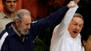 Après la mort de Fidel, Raul castro (à dr.) est pour la première fois seul aux commandes de Cuba.