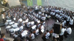Coro y Orquesta Renacimiento.