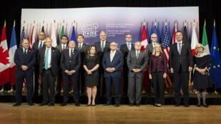 وزرای امور خارجه ۷ کشور پیشرفته صنعتی جهان، روز دوشنبه ۲۳ آوریل/ ۳ اردیبهشت در شهر تورنتو کانادا موضعی یکپارچه در برابر روسیه و درباره آنچه آنان الگویی از رفتارهای غیر مسئولانه و بی ثبات کننده نامیدند، اتخاذ کردند.