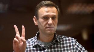 Alexeï Navalny assiste à une audience au tribunal de Moscou qui confirmera sa peine, le 20 février 2021.