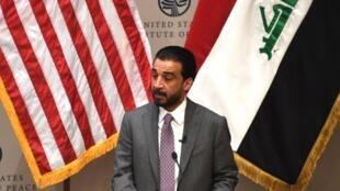 محمد الحلبوسی، رییس مجلس در موسسه صلح آمریکا، از مقامات واشنگتن خواست تا با تمدید معافیت عراق از تحریمها علیه ایران موافقت کنند.