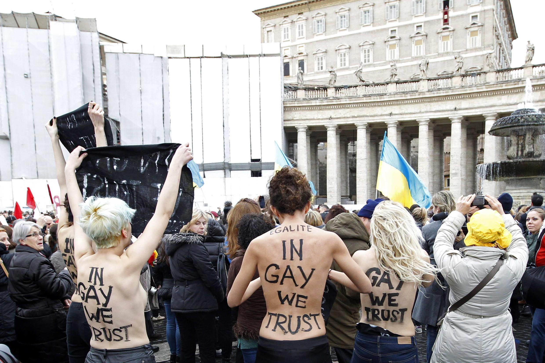 Акция Femen в Ватикане, 13 января 2013