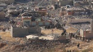 Fuerzas kurdas penetran en el pueblo de Sinyar, 13 de noviembre de 2015.