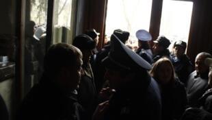 Протестующие заняли здание администрации во Львове 23/01/2014