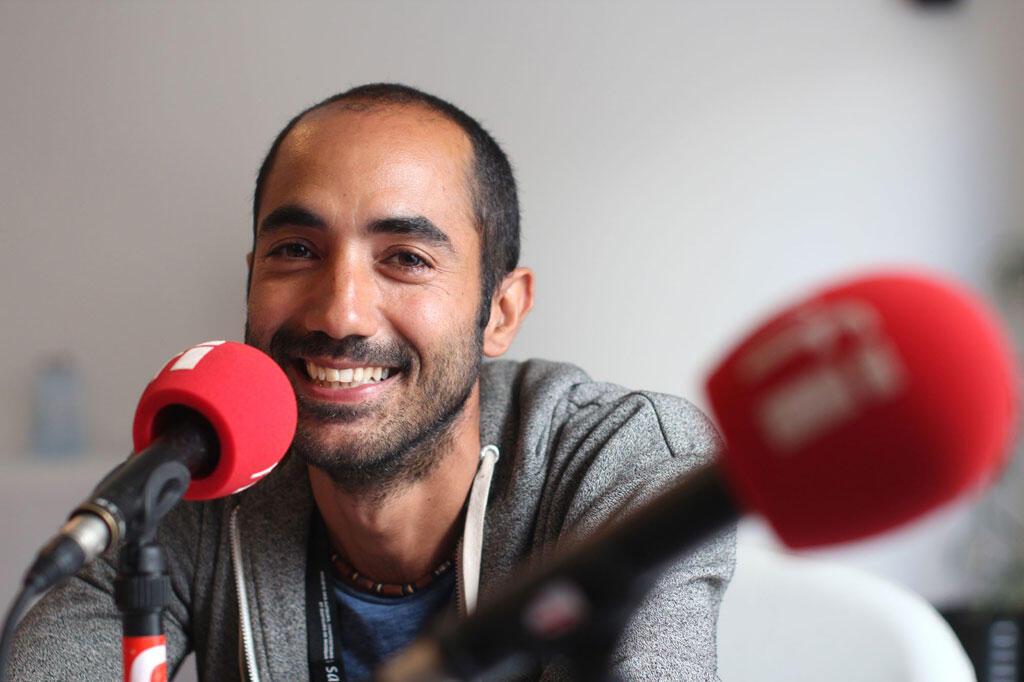 Gilles Lauret au studio RFI-Sakifo.
