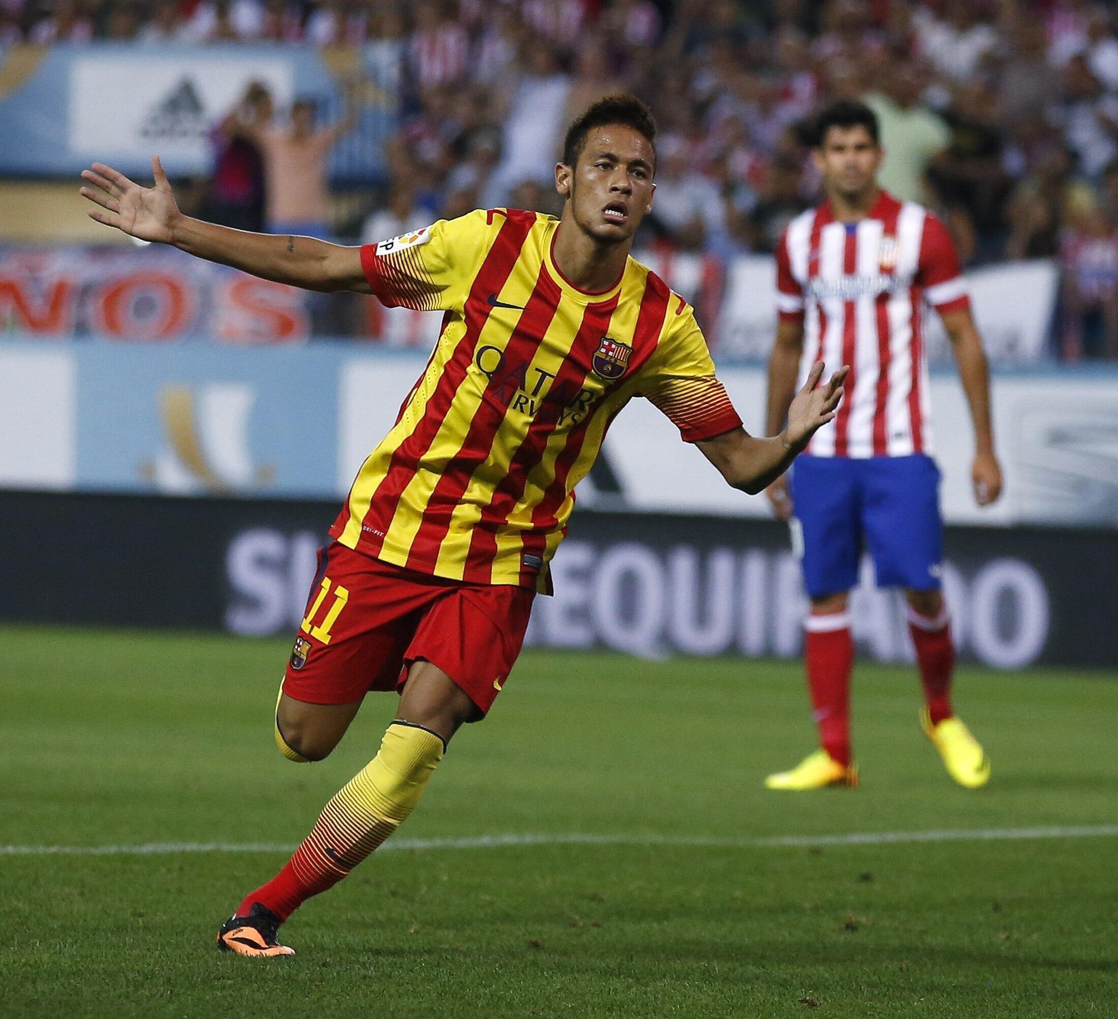 Neymar yana murnar zirawa Barcelona kwallo a ragar Atlético  Madrid a wasan Super Cup