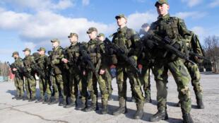 Tân binh Thụy Điển tại một doanh trại ở Enkoping, phía tây bắc Stockholm, ngày 02/03/2017.