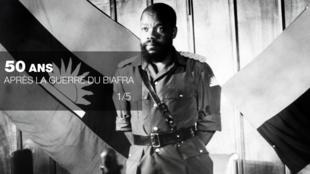 Le « père » de l'indépendance du Biafra, le colonel Ojukwu, dirige la région sécessionniste pendant tout le conflit (1967-1970).