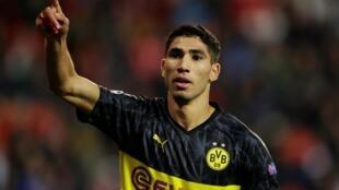 Le Marocain Achraf Hakimi avec le maillot du Borussia Dortmund.