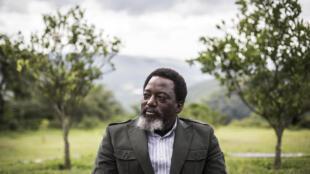 Le président congolais Joseph Kabila dans le jardin de sa ferme à Kinshasa, le 10 décembre 2018 (image d'illustration).