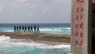 中國軍隊在南沙群島巡邏資料圖片