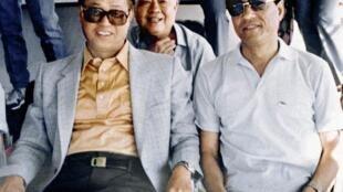 鲍彤(右)与赵紫阳(左)1986年合影