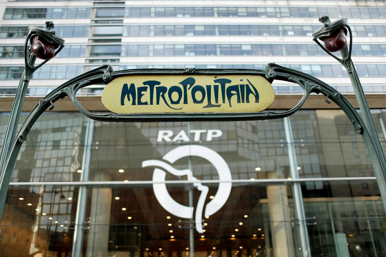 Ảnh minh họa : Bến metro Gare de Lyon, Paris.