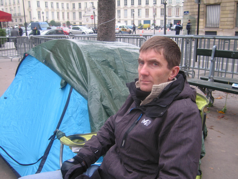 Em novembro de 2012, o prefeito de Sevran, Stéphane Gatignon, fez greve de fome e acampou em frente à Assembleia Nacional francesa para pedir maiis verbas para as periferias.