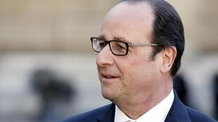 Le président François Hollande réunit les principaux responsables parlementaires à la suite de l'attentat de vendredi en Isère.