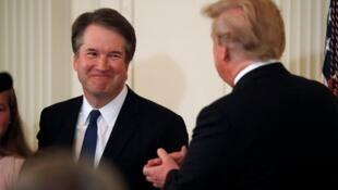 美国最高法院大法官提名人选布雷特·卡瓦诺与总统特朗普资料图片