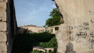 Les ruines de Markas, la mosquée et ancien quartier-général de Boko Haram après la destruction des locaux de la secte par la police nigériane.