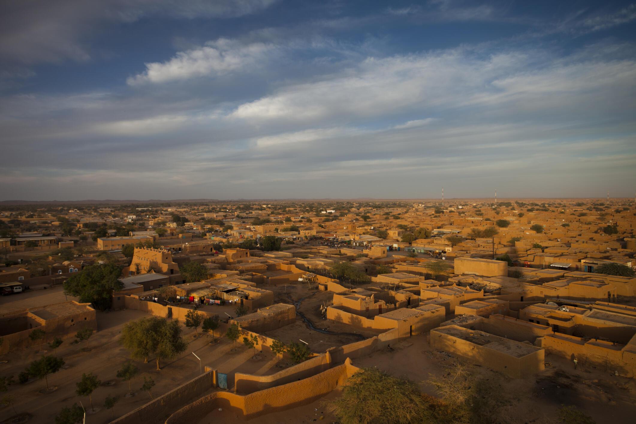 Vue sur la ville d'Agadez depuis le minaret de la grande mosquée.