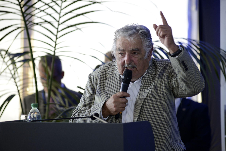 José Mujica pronunció un discurso en la inauguración de una planta eléctrica en Conchillas, el 28 de febrero de 2015.