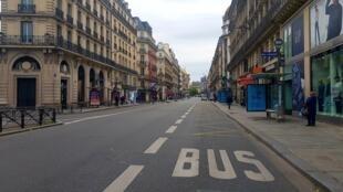 Paris voltou a conhecer a partir de 11 de Maio um aumento da circulação automóvel, com o fim do confinamento, não obstante certos eixos terem sido agora reservados às bicicletas.
