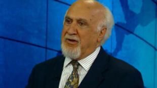 منصور فرهنگ، استاد علوم سیاسی در کالج بنینگتون در ایالت ورمونت آمریکا