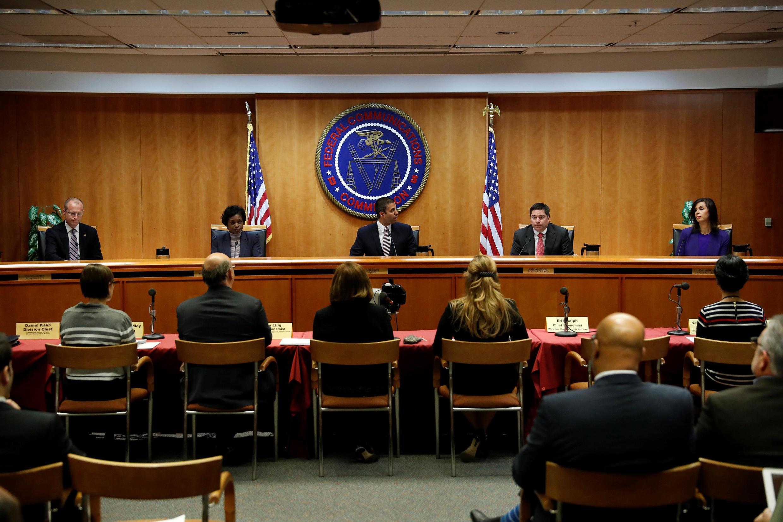 """A Comissão Federal de Comunicações dos Estados Unidos (FCC) revogou nesta quinta-feira o princípio de """"neutralidade na rede"""" alegando que é um freio aos investimentos."""