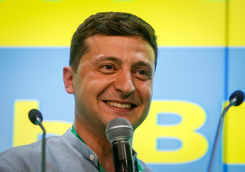 O presidente da Ucrânia, Volodymyr Zelenskiy, fala na sede do seu partido após uma eleição parlamentar em Kiev, Ucrânia, em 21 de julho de 2019.