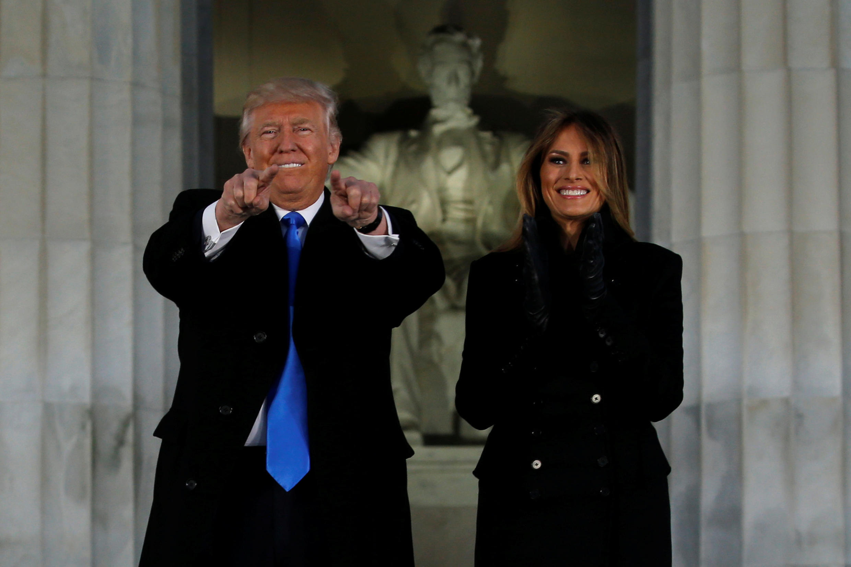 特朗普夫婦在華盛頓林肯紀念堂