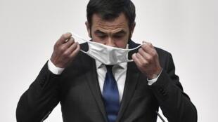 Ministro francês da Saúde, Olivier Véran. Paris, 5 de Novembro de 2020.