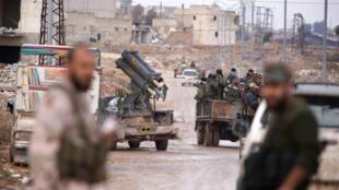 Quân đội chính phủ Syria  trên đường tiến vào kiểm soát toàn bộ Aleppo ngày 02/12/2016.