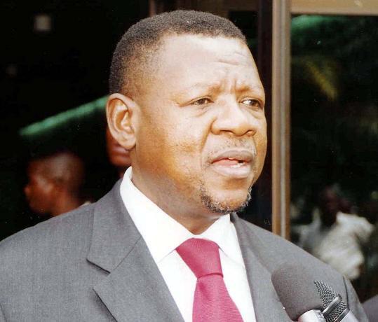 Lambert Mende porte-parole du gouvernement congolais.