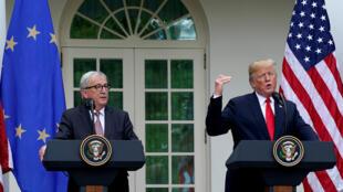 Le président américain Donald Trump et le président de la Commission européenne, lors de la conférence de presse après leur rencontre à la Maison Blanche, à Washington, le 25 juillet 2018.