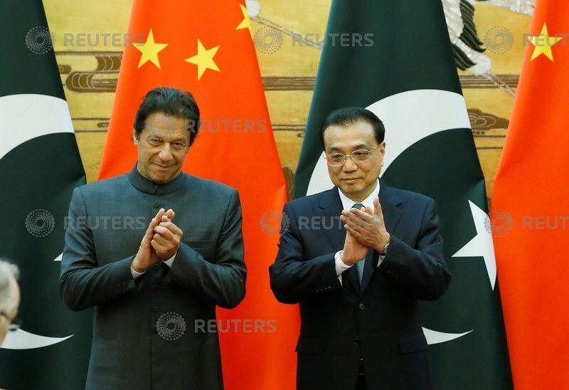 巴基斯坦總理伊姆蘭·汗周六與中國總理李克強會晤。2018-11-03