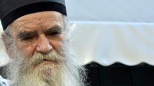 Le métropolite Amfilohije, chef de l'Église orthodoxe serbe au Monténégro, est mort le 30 octobre 2020 des suites de la Covid-19.