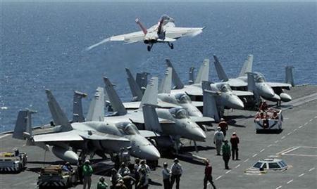 Phi cơ  F/A-18F Super Hornet trên  USS George Washington, tham gia cuộc thao diễn  Mỹ - Hàn, ngày 25/07/2010.
