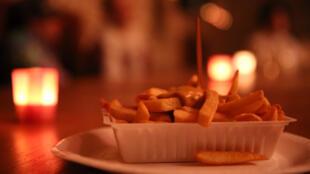 Las papas fritas son uno de los símbolos más internacionales de Bélgica junto a su chocolate y la cerveza.