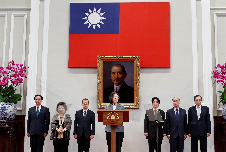 La presidenta  Tsai Ing-wen da una conferencia de prensa después del cese de relaciones con Taiwán