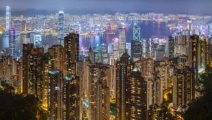 Le port de Hong Kong vu depuis le Pic Victoria en Juin 2019.